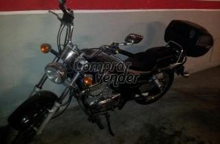 moto suzuki maraude 250 cc