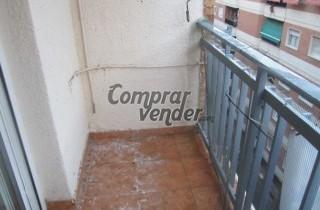 alquila piso entre zona Alhamar y san Antón