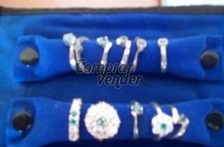 anillos de plata con esmeraldas